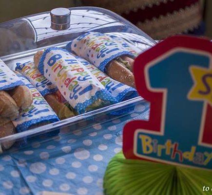 πρώτα γενέθλια: πάρτυ με θέμα το 1