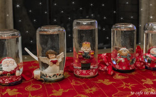 Χιονόμπαλες από γυάλινα βάζα.