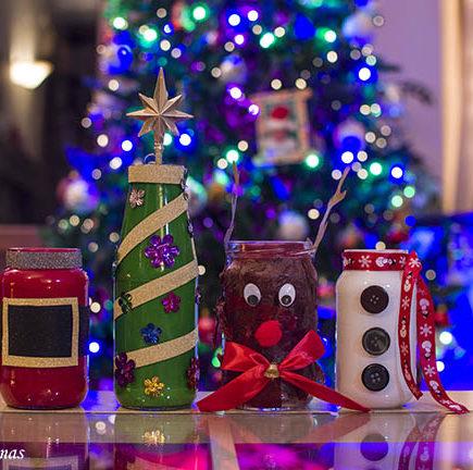 Χριστουγεννιάτικες κατασκευές απο γυάλινα βάζα.