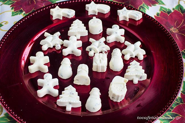 Χριστουγεννιάτικα σοκολατάκια με 2 υλικά.